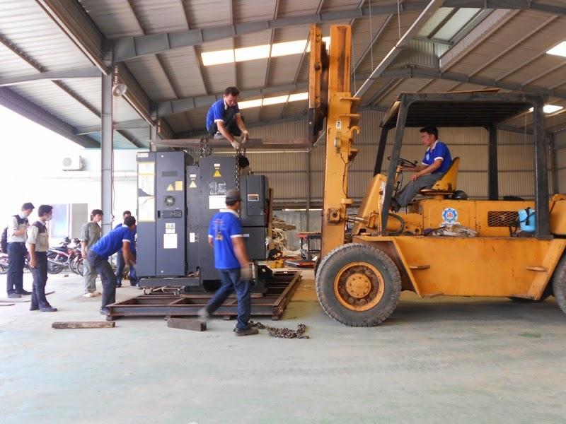 Phương tiện chuyển kho xưởng hiện đại