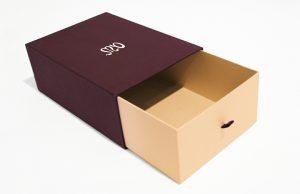 hộp giấy dựng giày